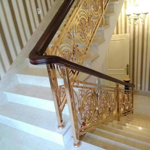 <strong>Gold Stainless steel stair railing</strong>